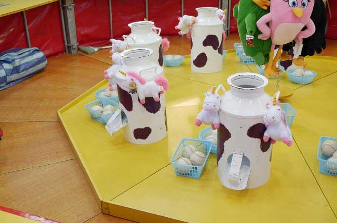 uncle-ringo-milk-churns