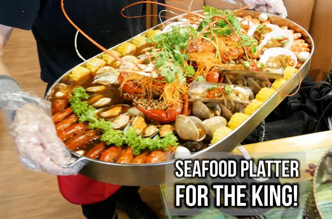 Jiu Gong Ge Hotpot Serves King Size Seafood Platter
