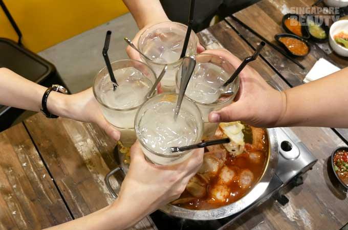 jin-ho-mia-barley-drink