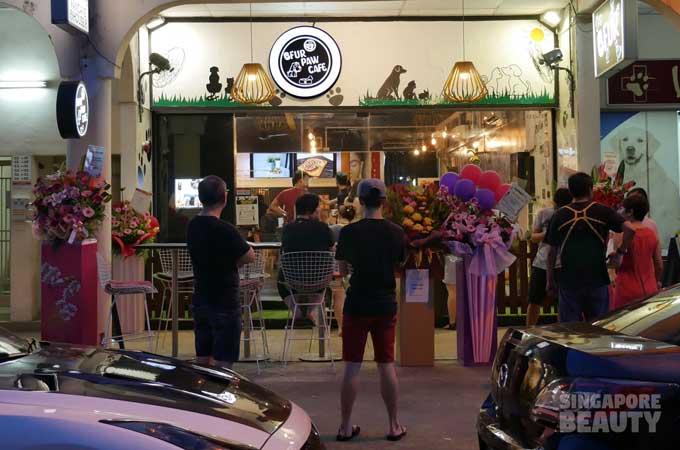 ofur-dog-cafe-shop-front