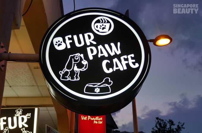 ofur-dog-cafe-signboard