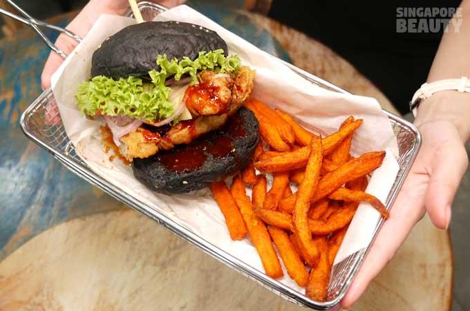 burger-monster-shark-burger-in-tray