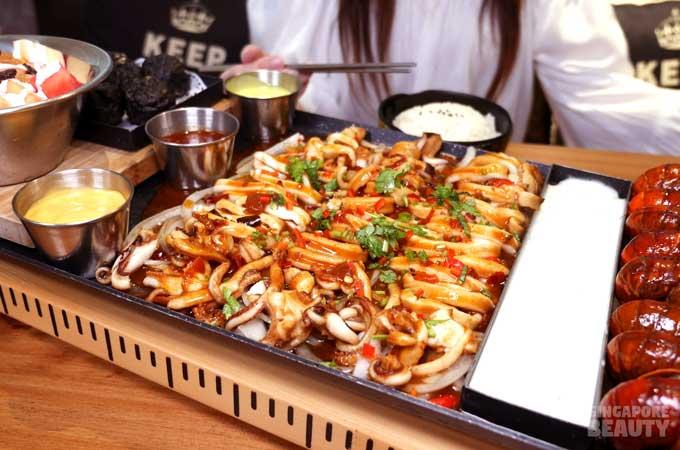dm-chicken-squid-mini-lobster-seafood-platter