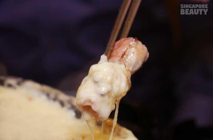 ladyboy-mookata-cheese-truffle