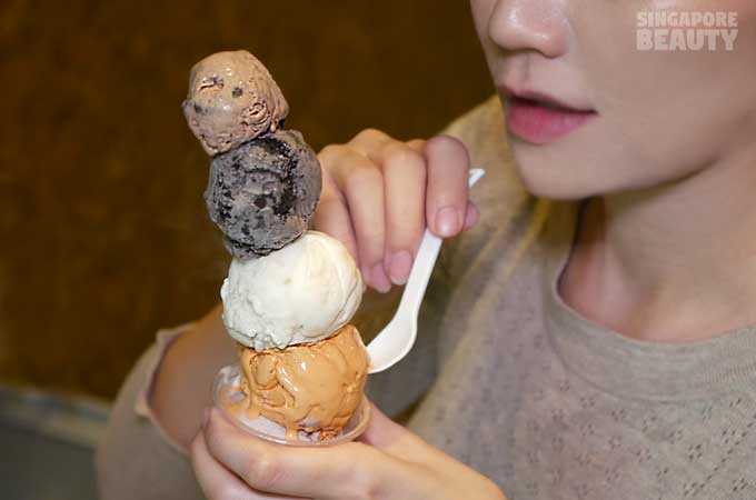 ladyboy-mookata-ice-cream