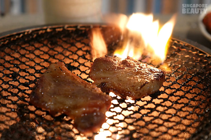 new-thai-tanic-grill-ribs-on-fire