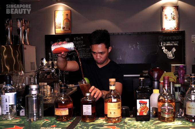 the-three-peacocks-at-labrador-park-bartender