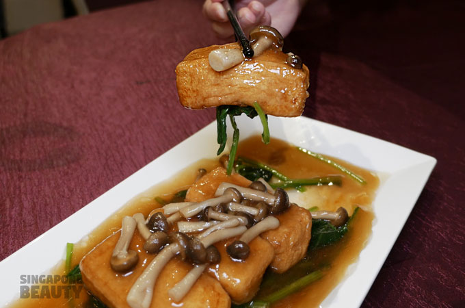 Braised Spinach Beancurd with Mushrooms