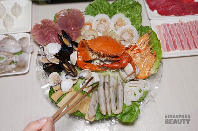 seafood-platter-crab