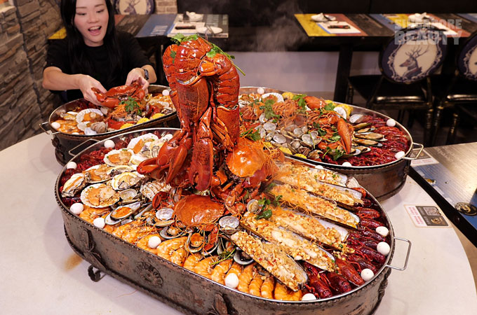 giant seafood lobster feast