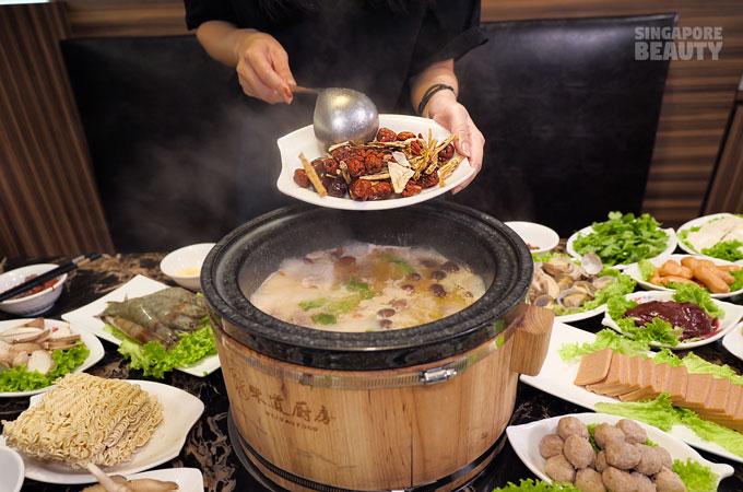 herbal soup hotpot