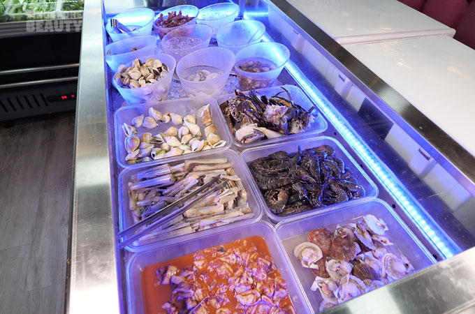 seafood-counter