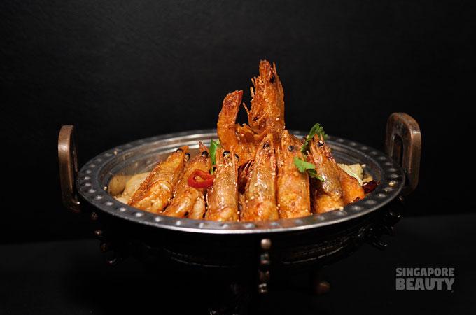 dry pot spicy prawns
