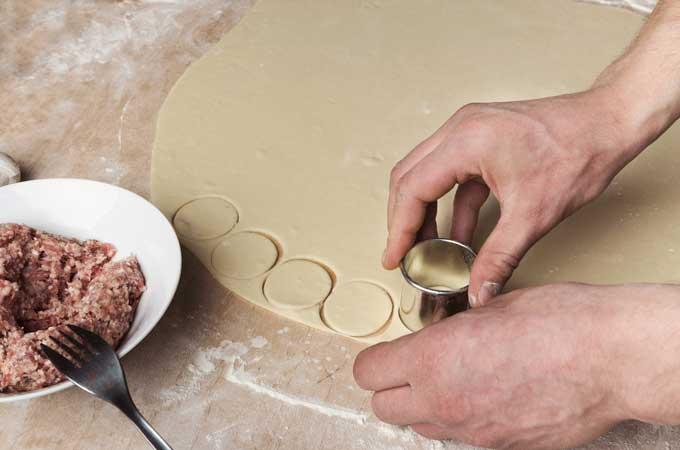 cutting-dumpling-skin