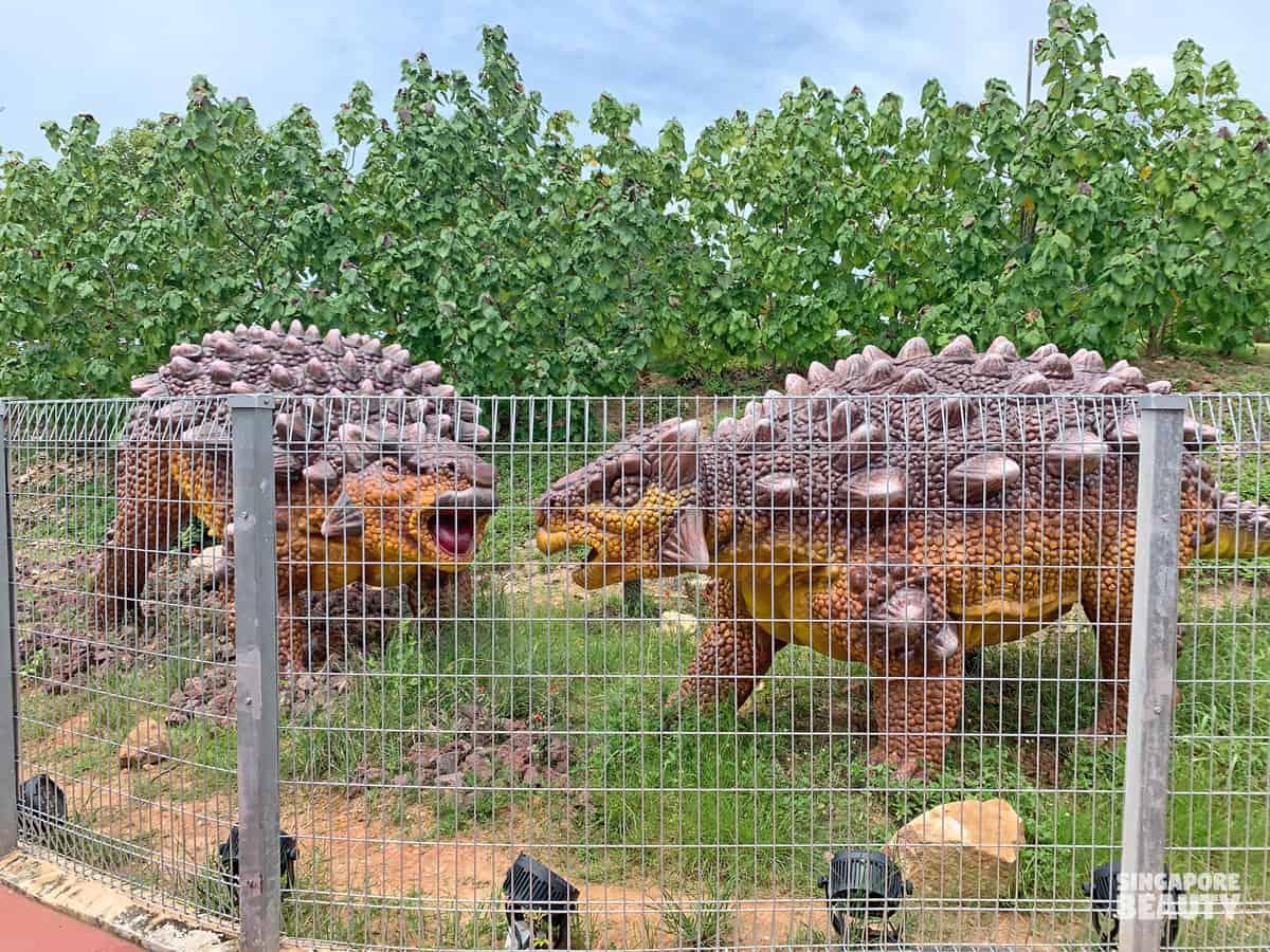 ankylosaurus fossil jurassic mile