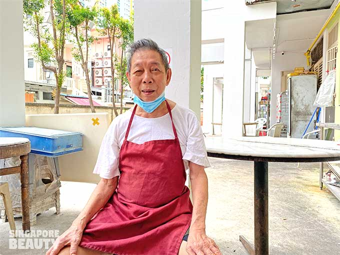 boss of Beo crescent Hainanese curry rice no name