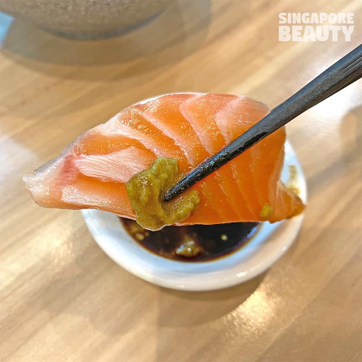 salmon-sashimi-sushi-plaza-sing