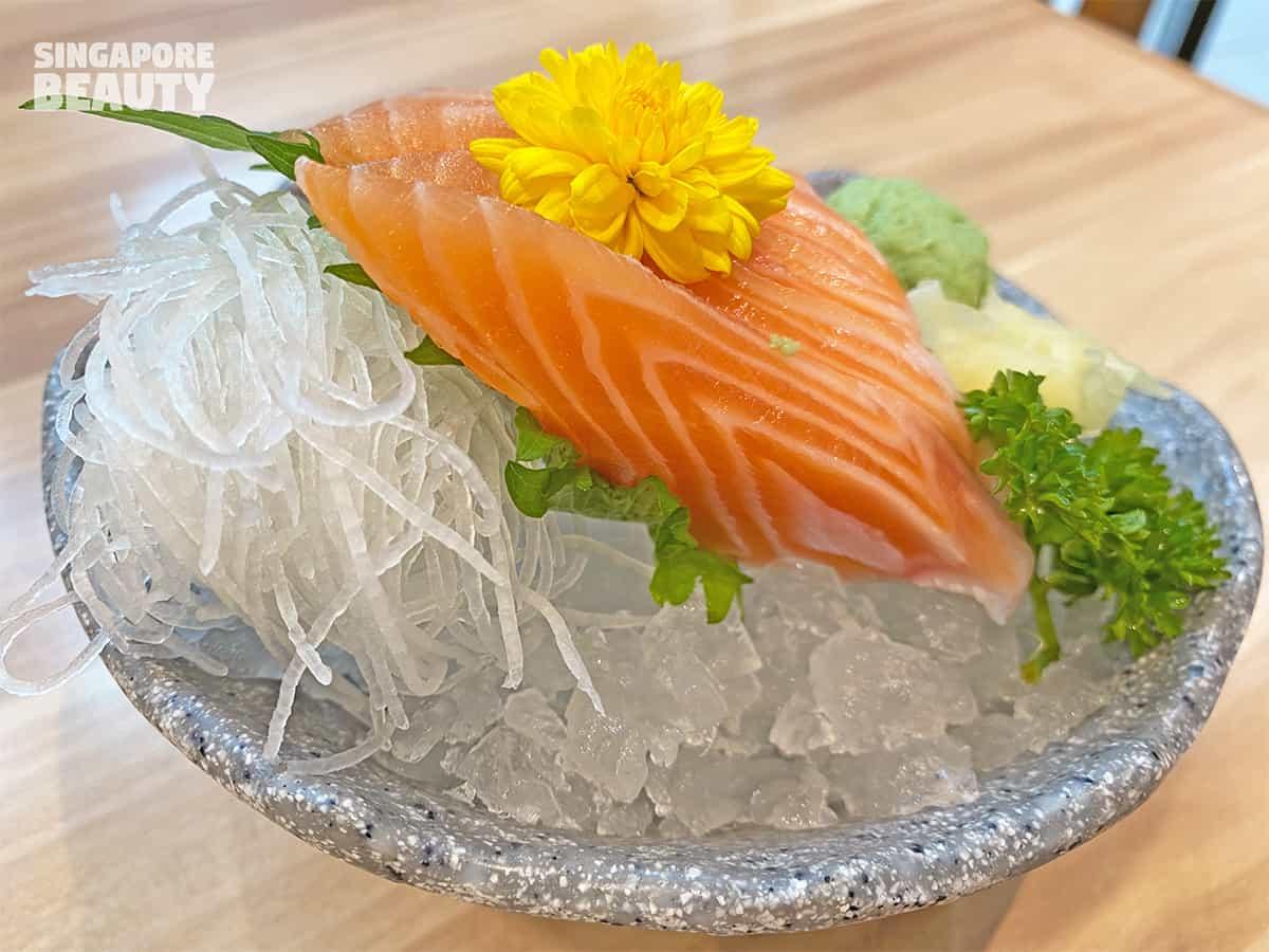 salmon-sashimi-sushi-restaurant