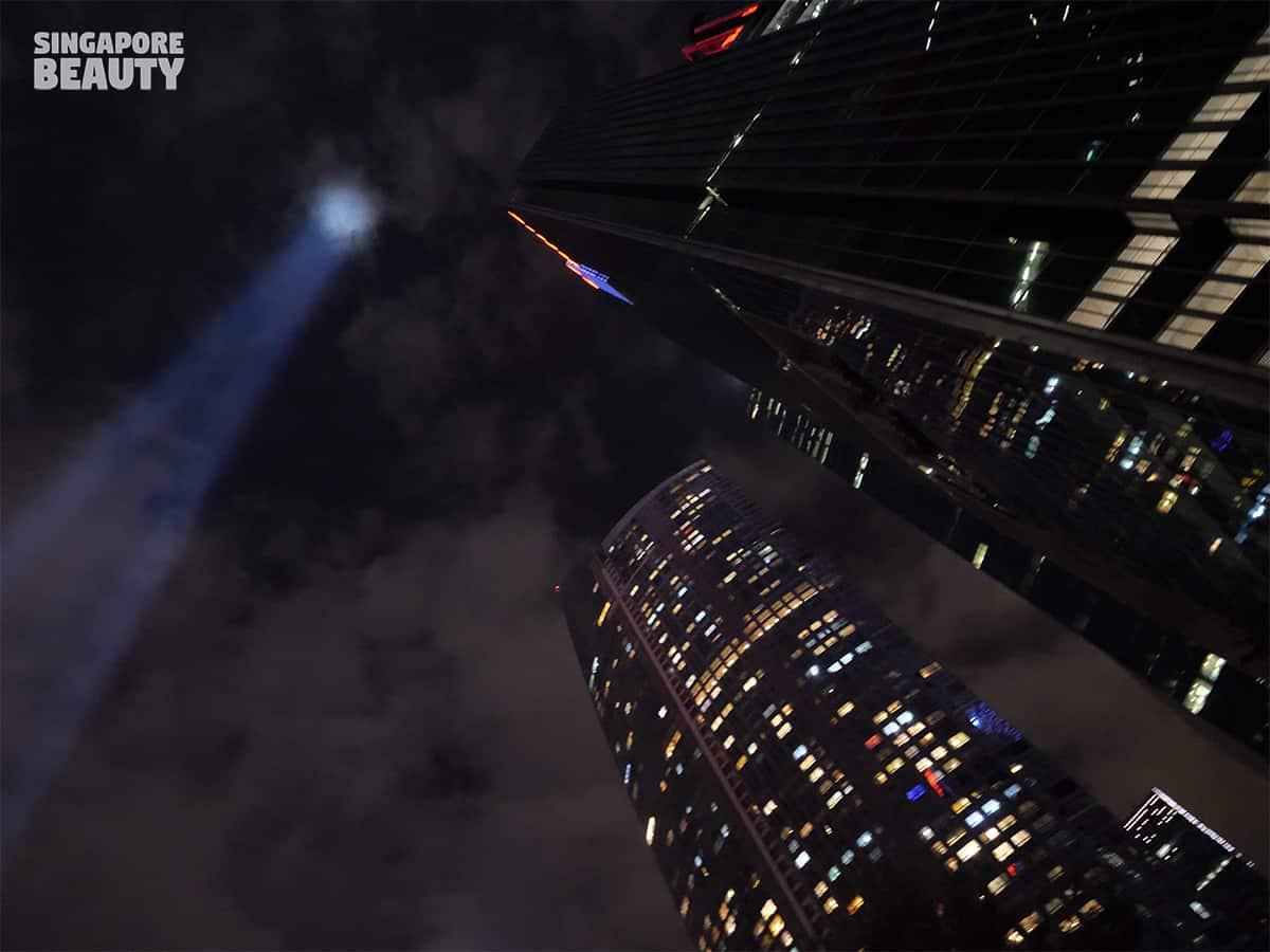 marina bay skyscrapers light show timing