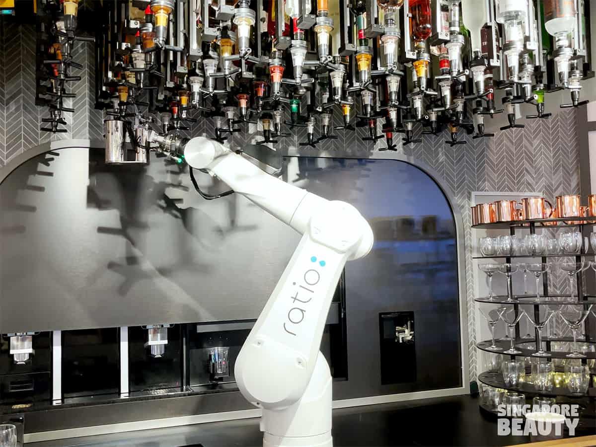 robot barista bartender
