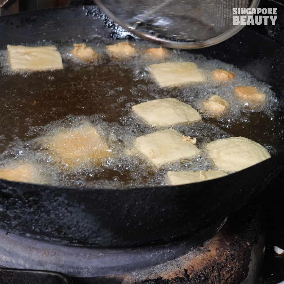 frying stinky beancurd