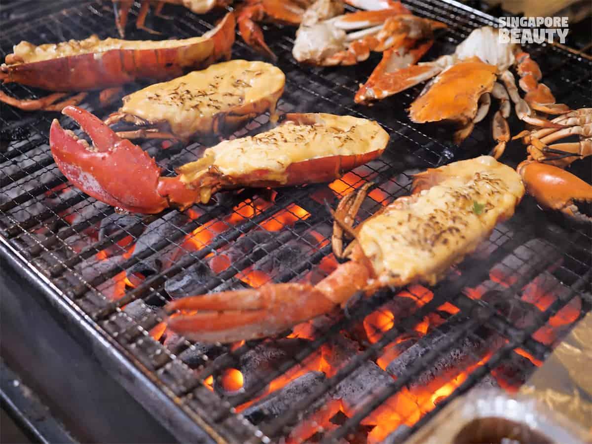 the-three-peacocks-lobster-bbq-buffet