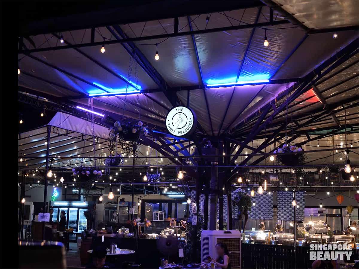 vibrant bar dining